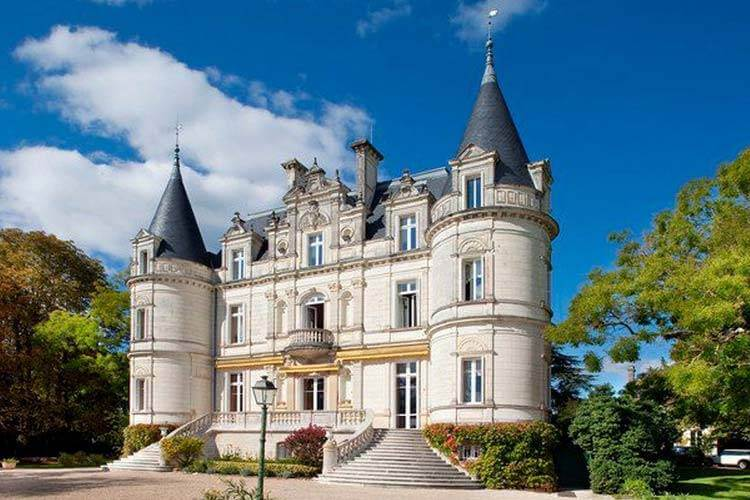 Loire valley ch teau stay tours smoothred for Chateaux in france to stay